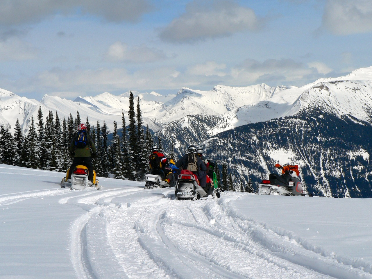 Snowmobile Valemount British Columbia Tour