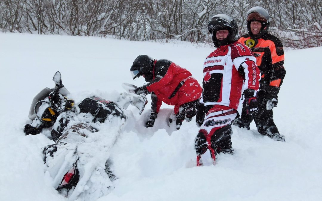 Stuck Snowmobile Classic STV Video