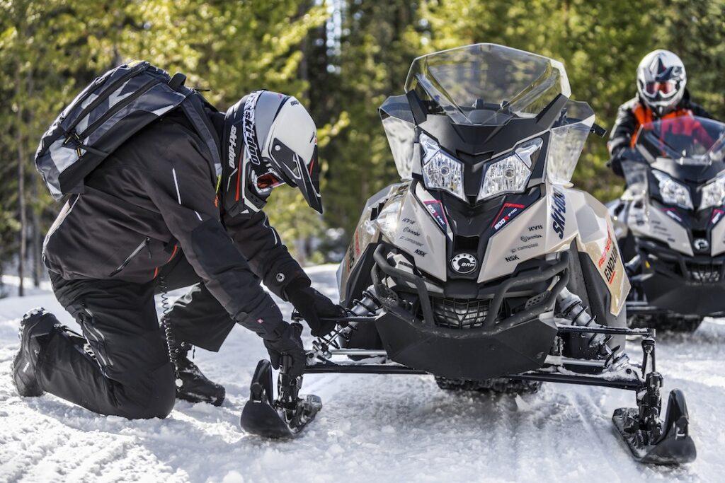 Ride adjusting Ski Doo Pilot TS Ski