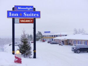 snowmobile northeastern ontario Moonlight
