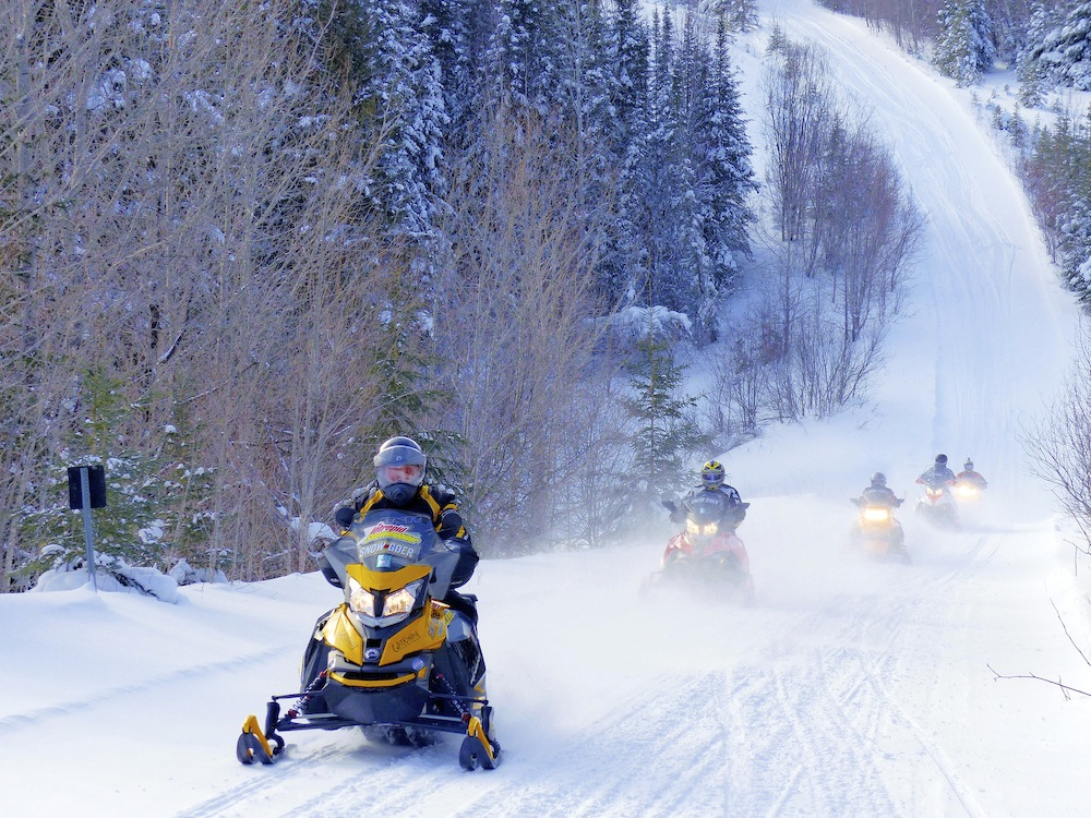 snowmobile northeastern ontario loops