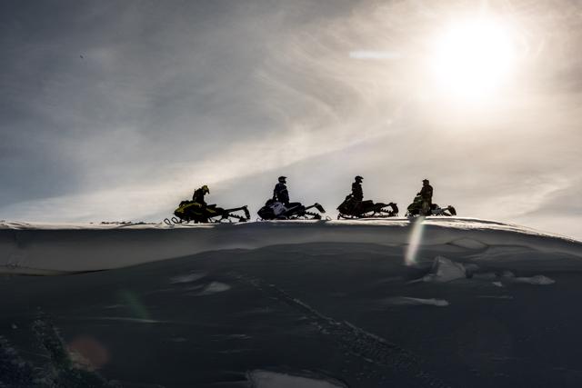 ontario snowmobile tours