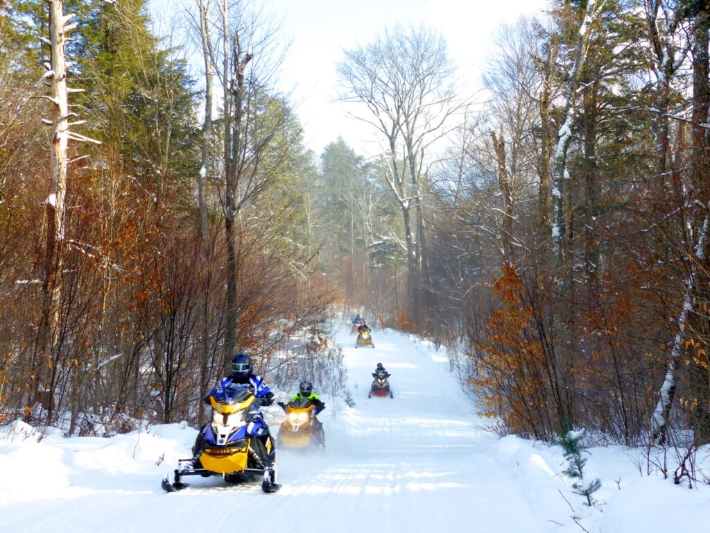 Haliburton Highlands snowmobiling near algonquin park