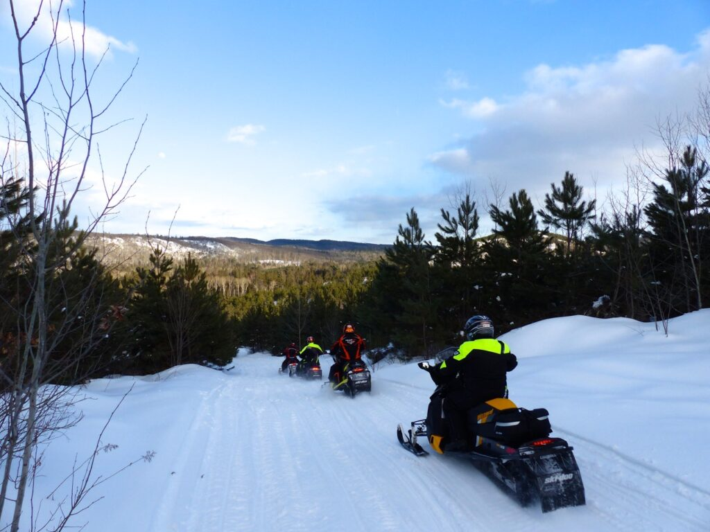 Ottawa Valley snowmobiling near algonquin park