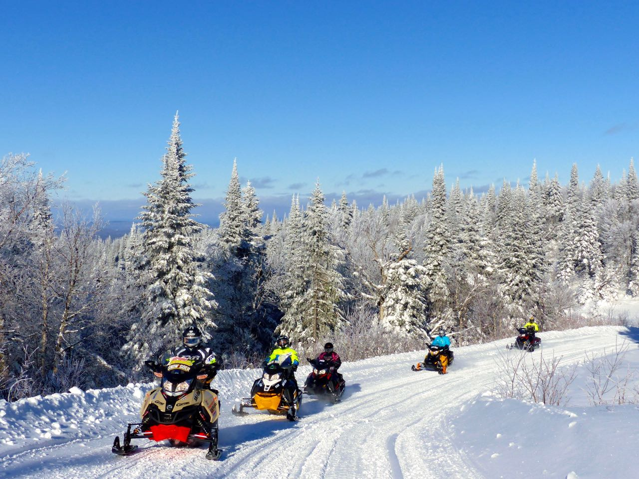 Mont Laurier Quebec Snowmobile Tour