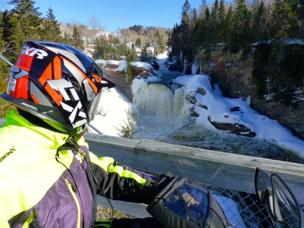 Best snowmobile helmet with DOT sticker