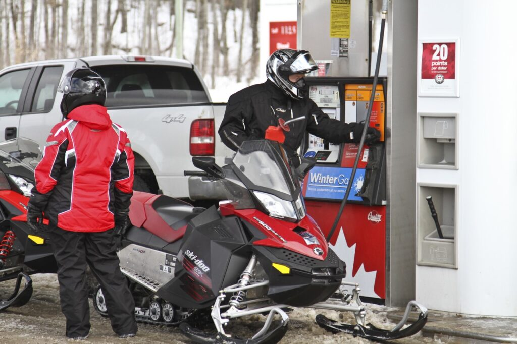snowmobile fuelling tips