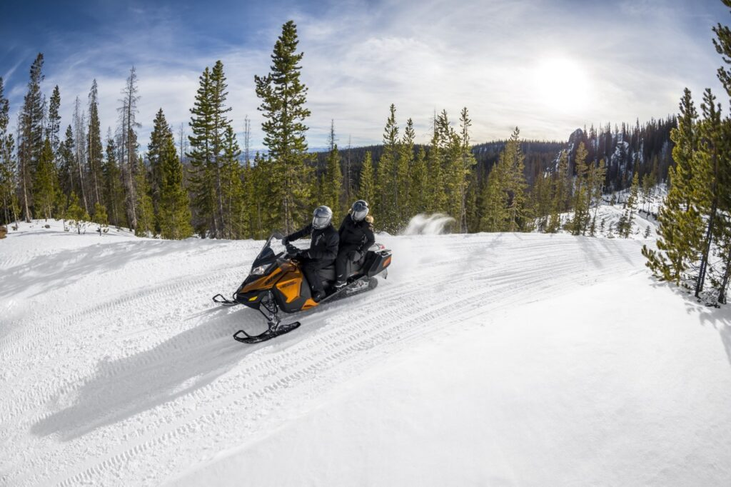 solo 2-ip Ski Doo with scenic trail