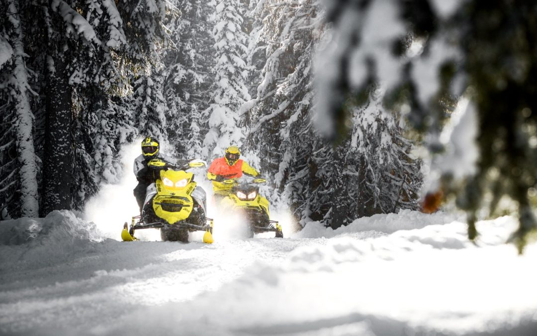 Reduce Snowmobiling Risks By Taking Precautions