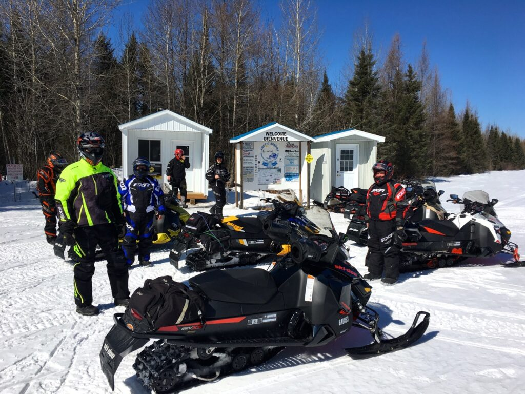 relax at warm up shelters while Cochrane Ontario snowmobiling