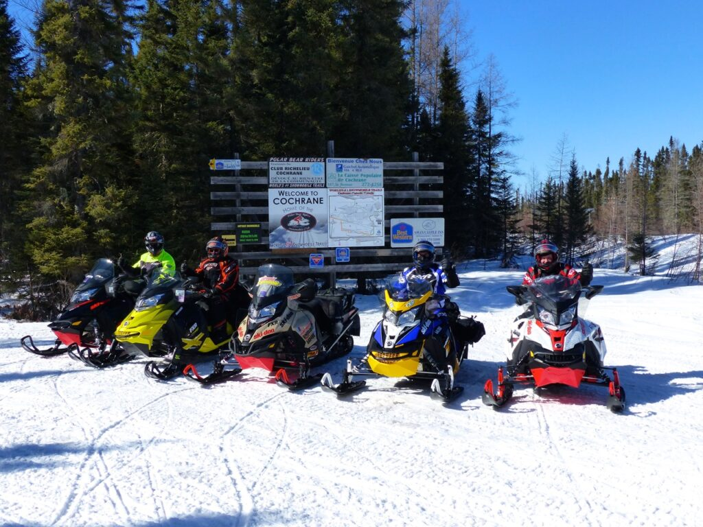 good signage while Cochrane Ontario snowmobiling