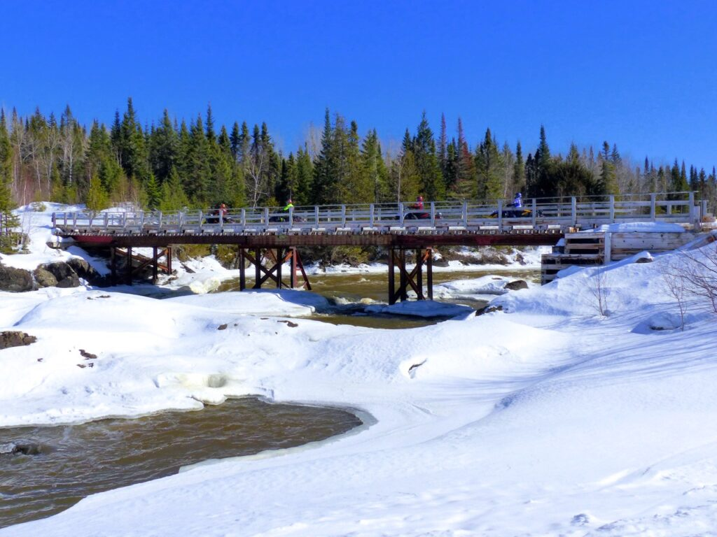 discover great scenery while Cochrane Ontario snowmobiling
