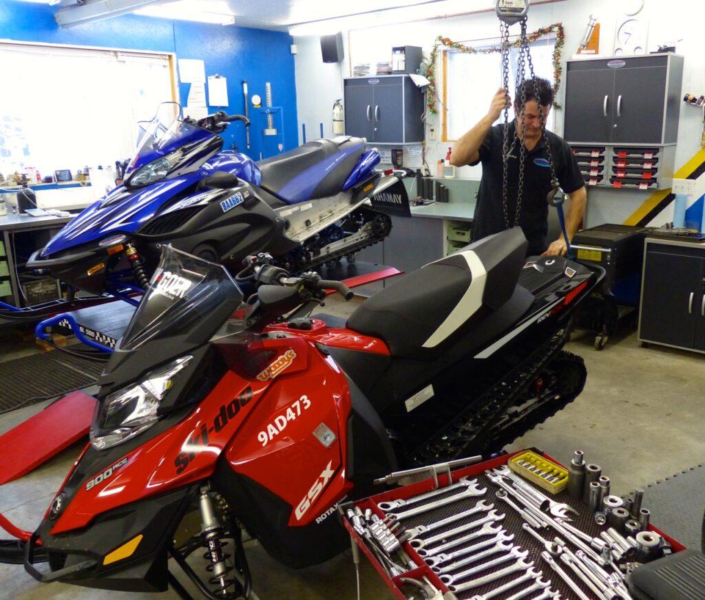do snowmobile maintenance tips throughout the season