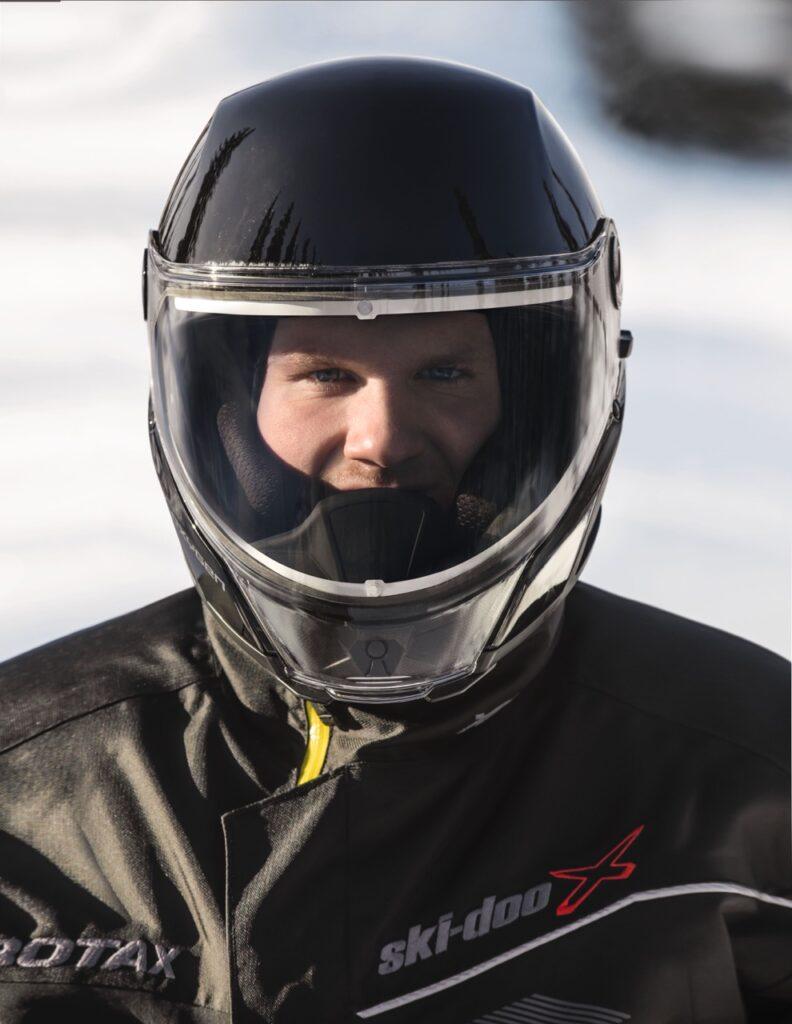 Mask Free oxygen snowmobile helmet