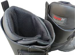 Snowmobile boots buying tips includes good insulation