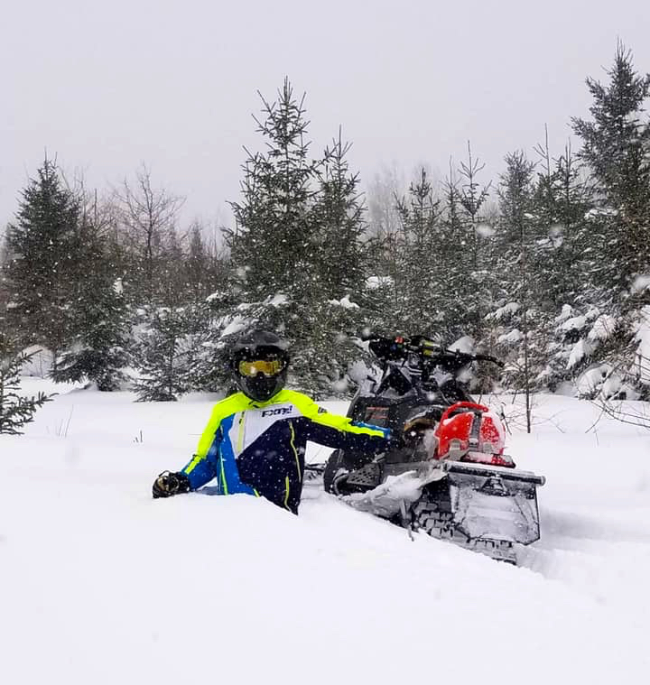 Deep snow explains need for snowstorm snowmobiling tips