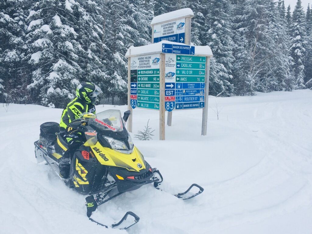 4-way sign board is ideal for Snowmobile trail signs