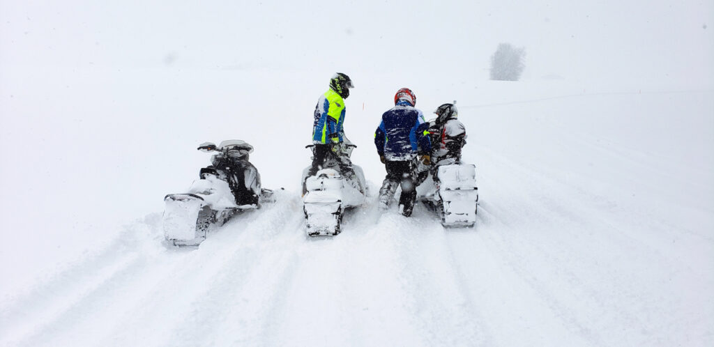 Wayfinding in a storm to snowmobile Midwestern Ontario