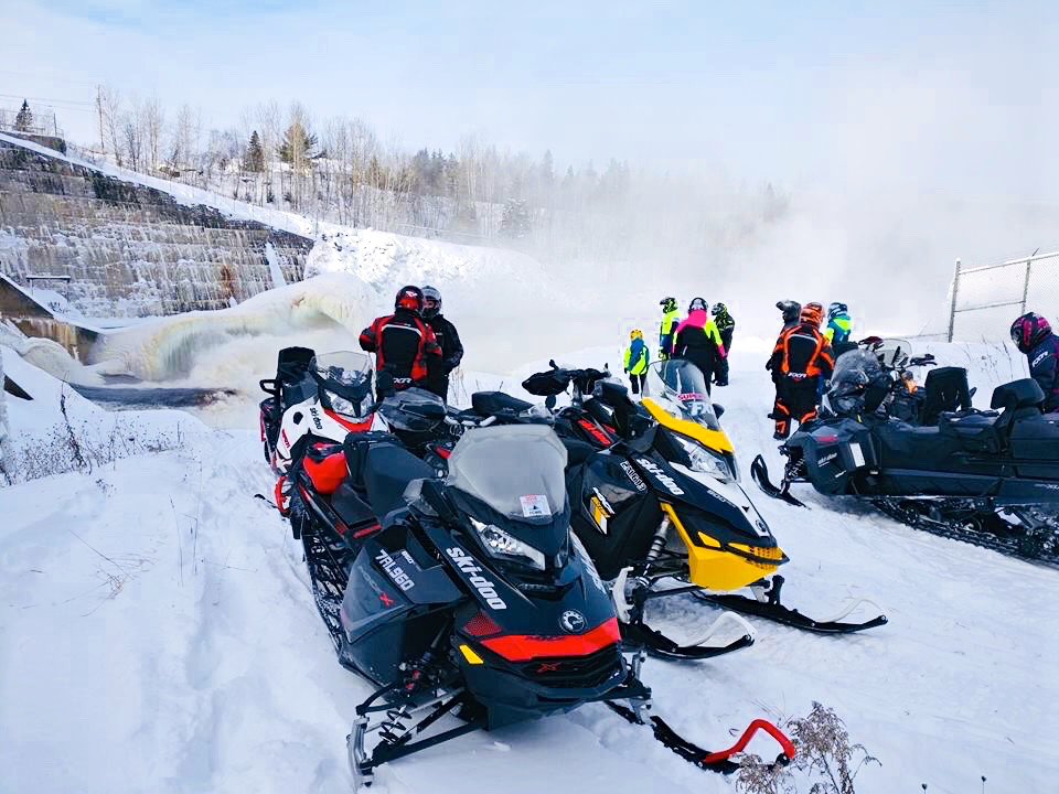 Christmas Snowmobiling in Lanaudière