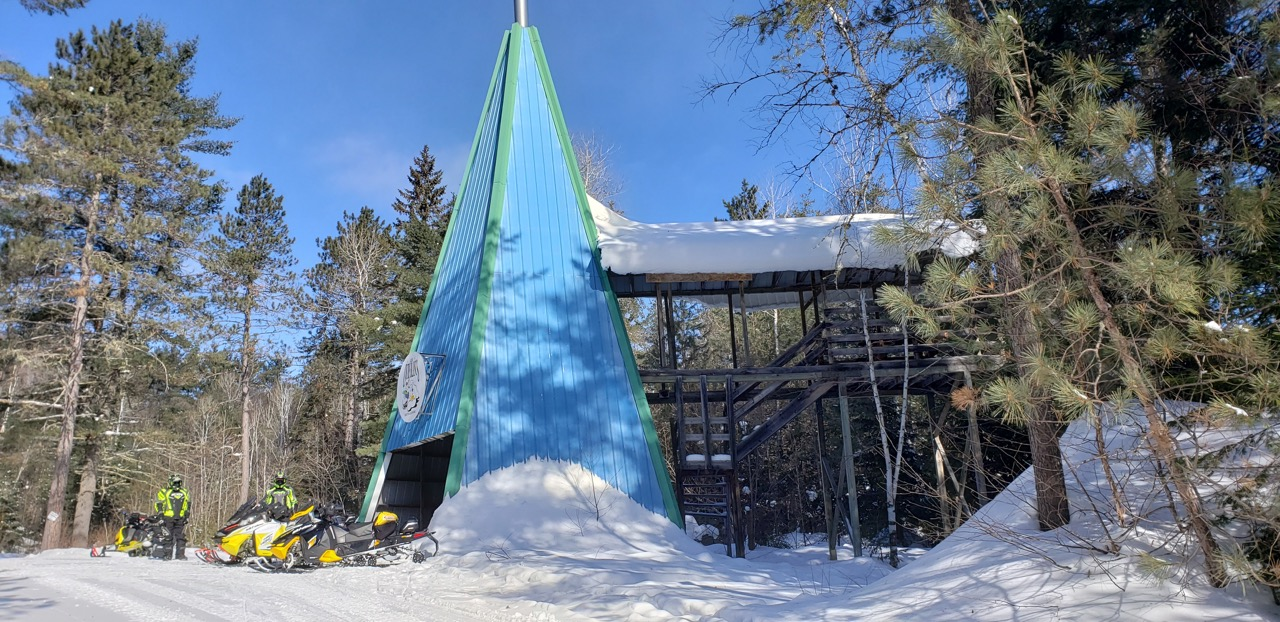 Outaouais Quebec Snowmobiling Snapshot