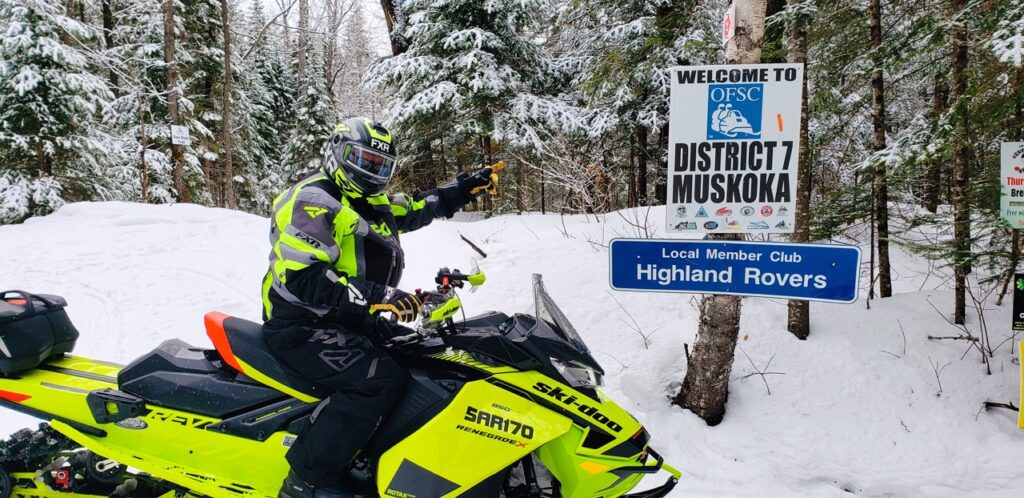 Good trail signage is a hallmark of Muskoka Ontario snowmobiling