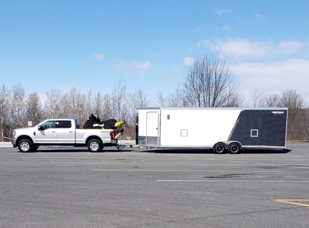 Snowmobile trailer summerizing includes large trailers.