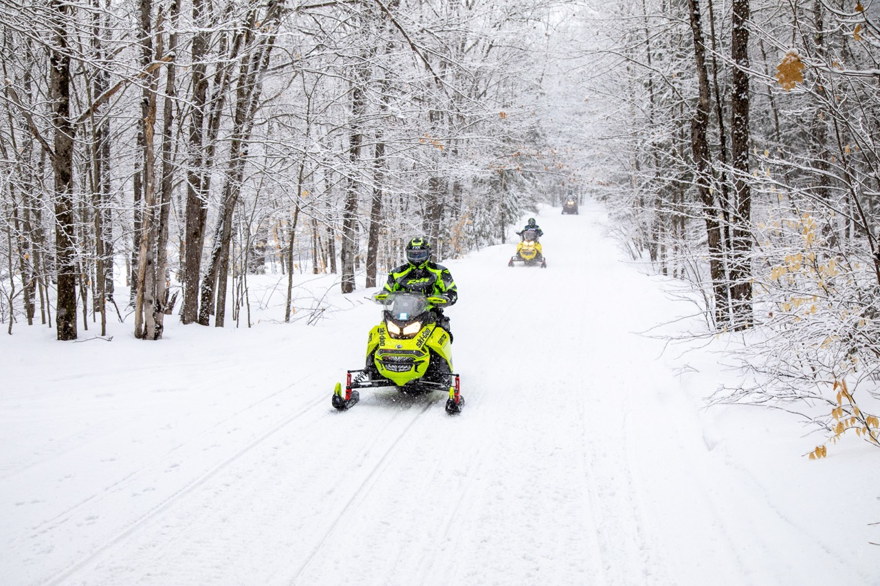 Snowmobile insurance buying tips give you riding peace of mind.