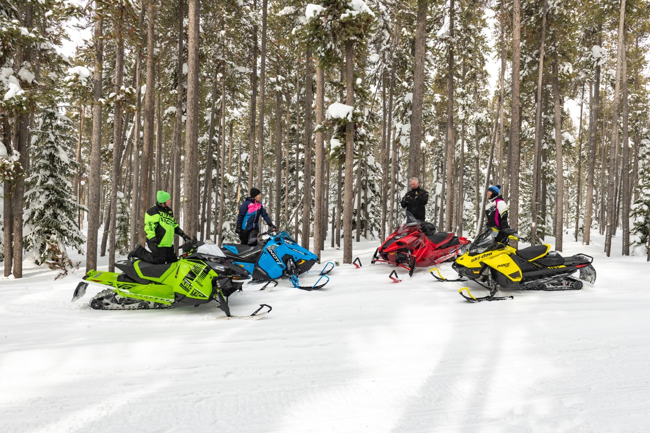 Snowmobile beginners tips include what kind of sled to buy.