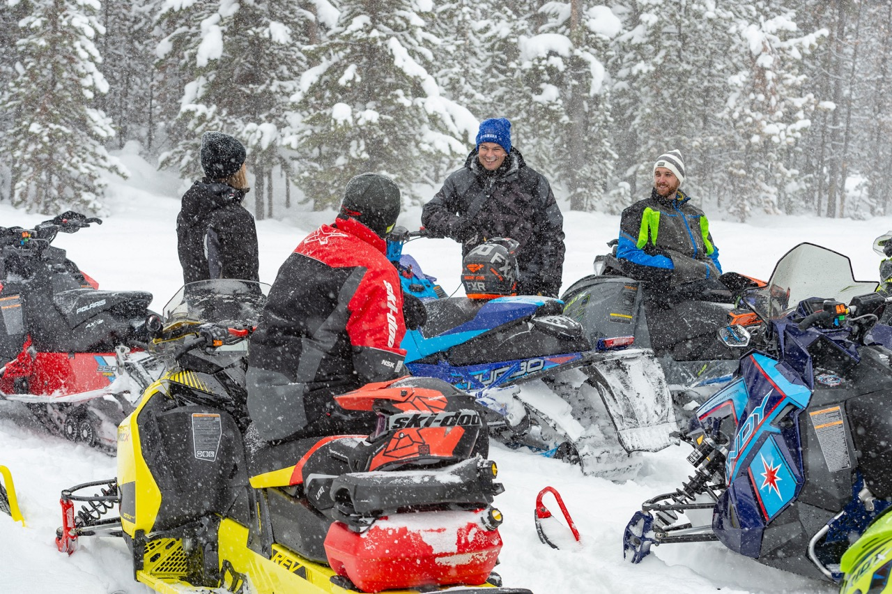 Help keep open snowmobile trails by social distancing.